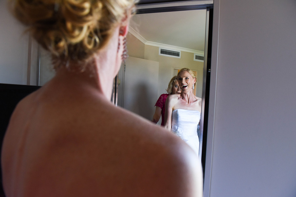 wedding photographer Takapuna composition with the bride and her reflect in the mirror