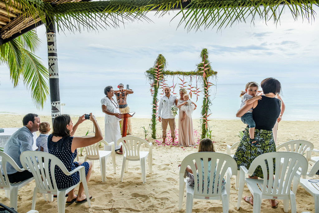 Wedding ceremony with friends on Malolo Island, Plantation Island Resort, by Anais Wedding Photographer