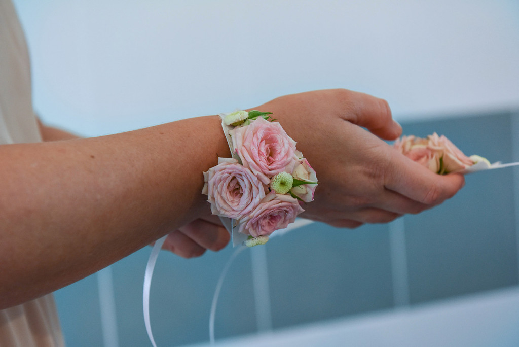 wrist flowers for the bridemaids