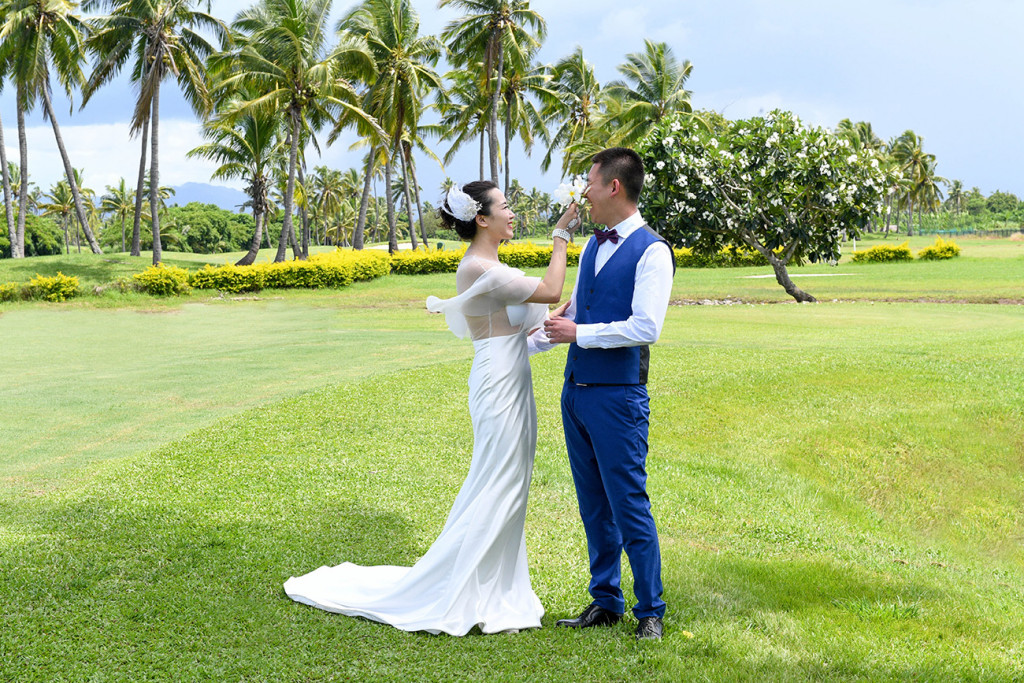 The couple is at the golf course in Denerau, Nadi Fiji.