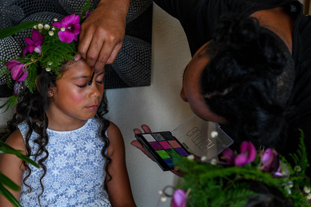 Totoka hair and makeup does the flower girls makeup