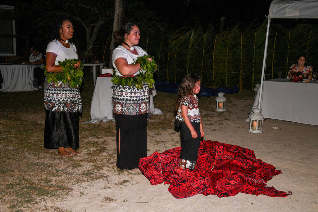 Traditional Fiji performance by the groom's family