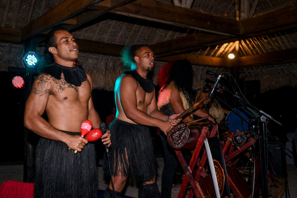 Fiji performers entertain the wedding guests with karakas, shakers and traditional Fiji instruments