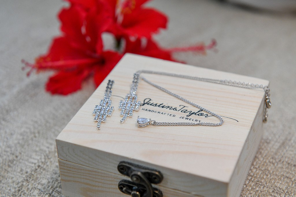 Stunning diamond handcrafted jewellery by Justins Taylor