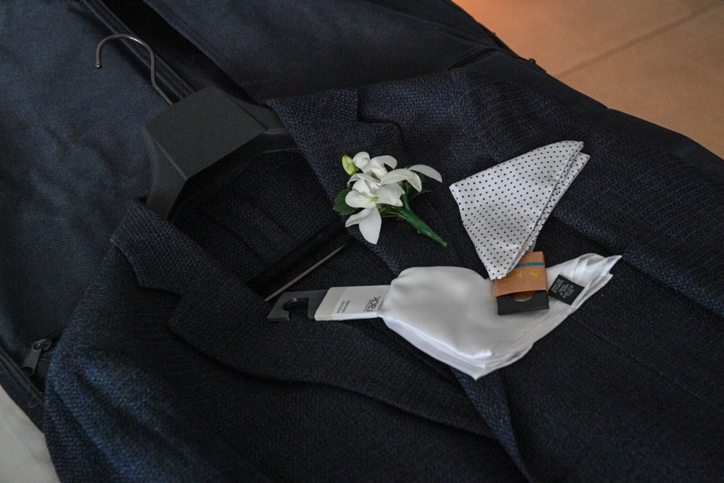 Simple boutonniere and lapel pockets
