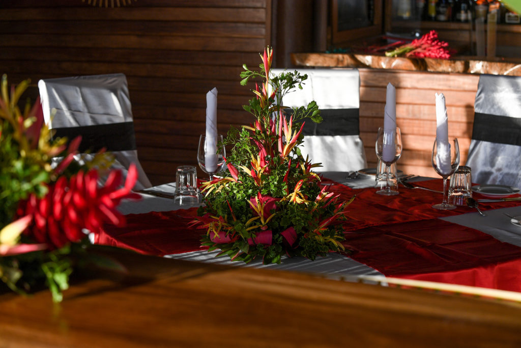 A traditional Fiji flower bouquet decorating the dinner table
